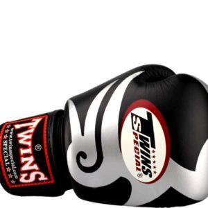 Боксерские перчатки Twins #11