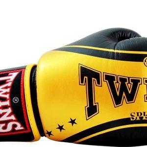 Боксерские перчатки Twins #19