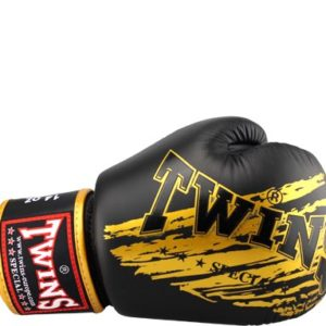 Боксерские перчатки Twins #20