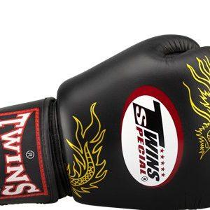 Боксерские перчатки Twins #23